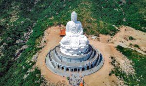 Tượng phật chùa ông núi Bình Định