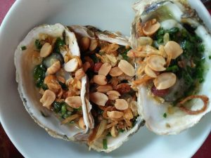 Hàu nưỡng mỡ hành ăn hàng ở Quy Nhơn