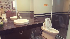 Toilet homestay QUY NHƠN LAND