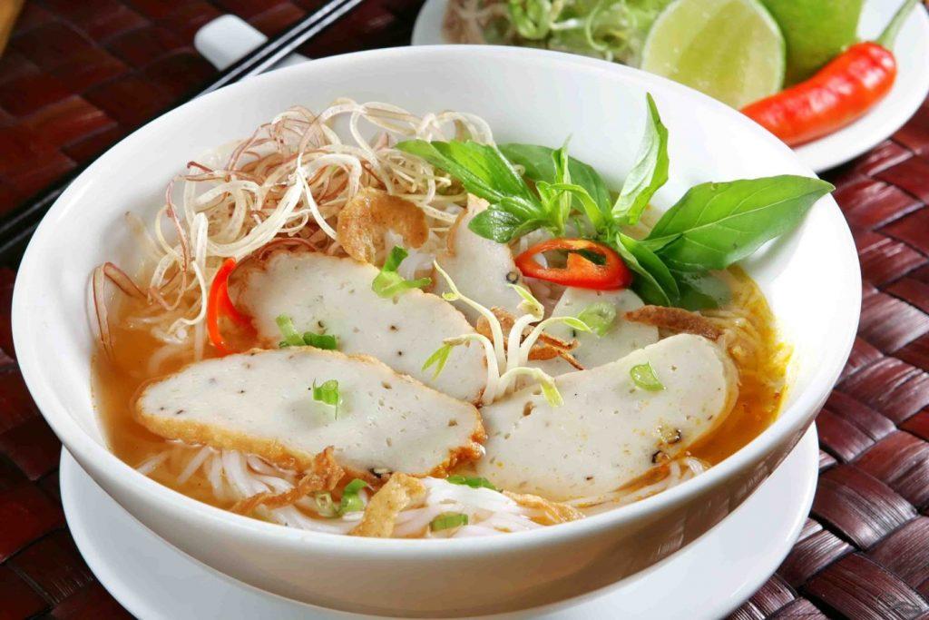 Bún Chả cá Quy Nhơn là món ngon từ thủy hải sản nổi tiếng nhất của thành phố biển -Ảnh: Sưu tầm từ Internet