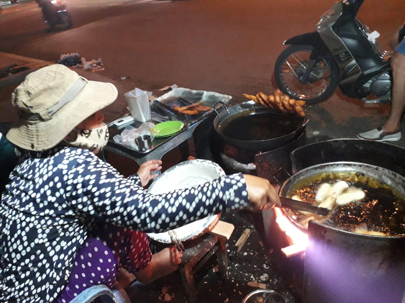 Đặc sản Quy Nhơn - Phát thèm với những món bánh vào ngày mưa ở Quy Nhơn