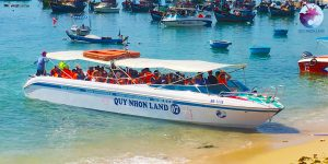 Ca nô cao tốc Cù Lao Xanh của Công ty Quy Nhon Land - Cù Lao Xanh Tourism