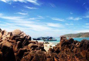Đến đảo Hòn Khô khám phả vẻ đẹp hoang sơ lạ kỳ