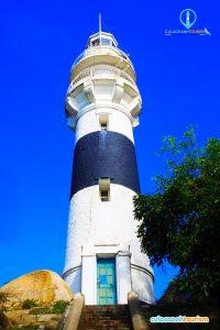 Hải Đăng Cù Lao Xanh có hình trụ, cao 16 mét