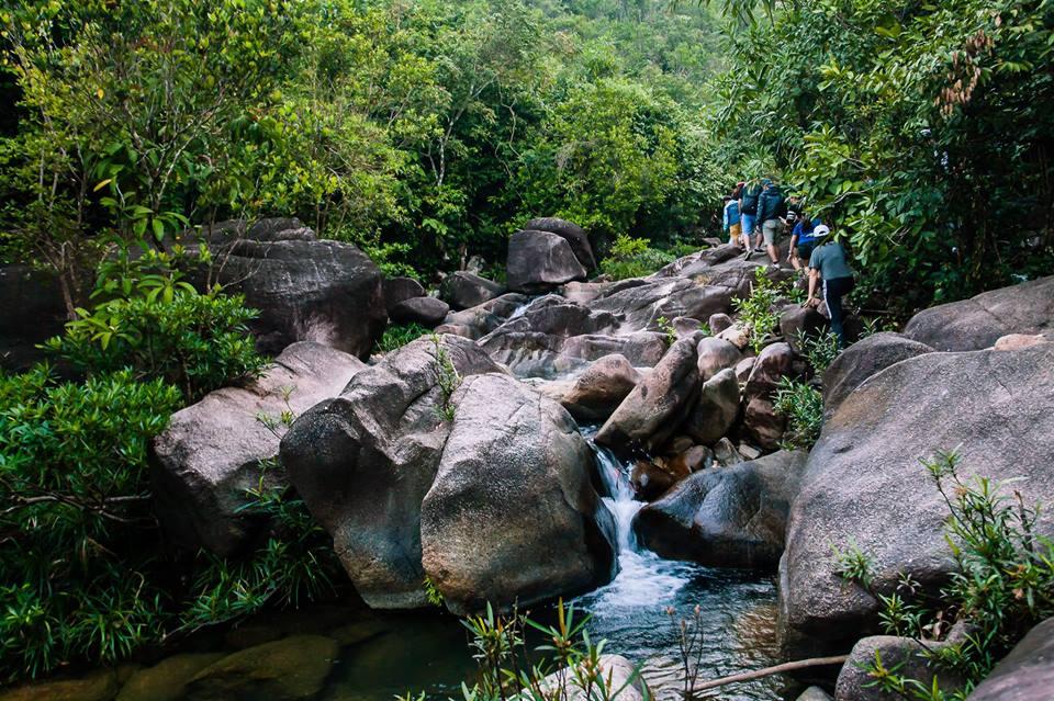 Du lịch Quy Nhơn khám phá vẻ đẹp thơ mộng của suối tiên