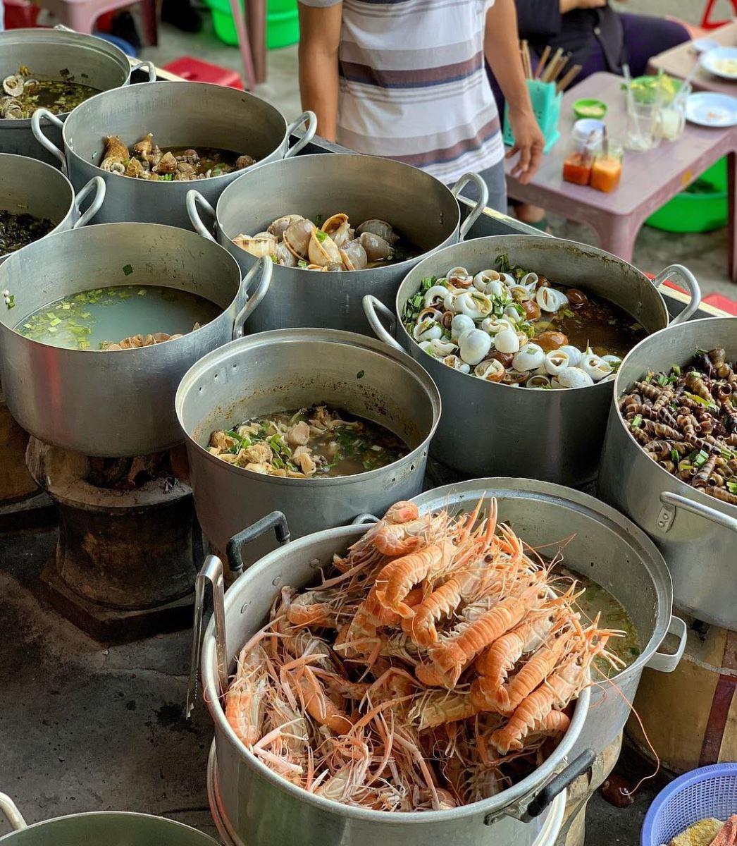 Những món ăn vặt không thể bỏ qua khi đến du lịch Quy Nhơn