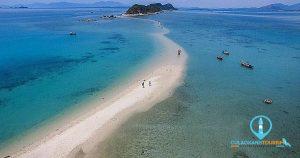 Con đường xuyên biển tuyệt đẹp mỗi mùa nước cạn ở Hòn Khô