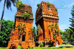 Tháp Đôi là tòa tháp nằm ngay trên đường Trần Hương Đạo, thành phố Quy Nhơn.
