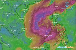 Hướng đi của cơn bão đang di chuyển vào đất liền - Ảnh từ vệ tinh