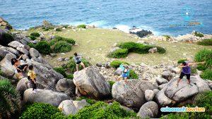 Bãi đá thảo nguyên Nhơn Châu. - Ảnh Internet