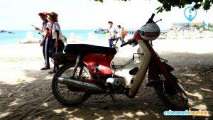 Chiếc xe máy huyền thoại sẽ giúp bạn đến gần hơn với cuộc sống, con người nơi đây(Ảnh ST)