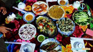 Hải sản ngon quên sầu ở Cù Lao Xanh(Ảnh ST)