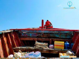 """Con tàu mang biển hiệu """"Nhơn Châu – Quy Nhơn"""" chuyên chở hàng hóa và người dân ra vô đảo mỗi ngày - Ảnh Internet"""
