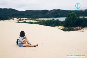 Bãi cát trắng mịn và thơ mộng - ẢNh Internet