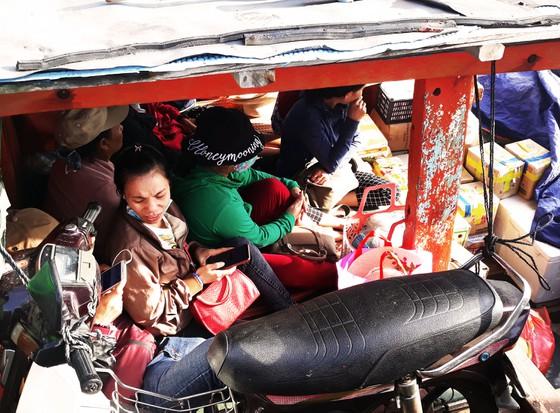 Đảo Cù Lao Xanh hay còn gọi là đảo Nhơn Châu, thuộc TP Quy Nhơn, tỉnh Bình Định. Từ đất liền Quy Nhơn ra đảo chừng 10 hải lý. Đảo có 650 hộ dân với 2.500 nhân khẩu, sinh sống bằng nghề khai thác, nuôi trồng thủy hải sản... - Ảnh ST