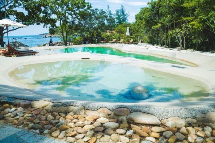 Bể bơi nước mặn nhân tạo ở Bãi Xếp. (Nguồn: Internet)