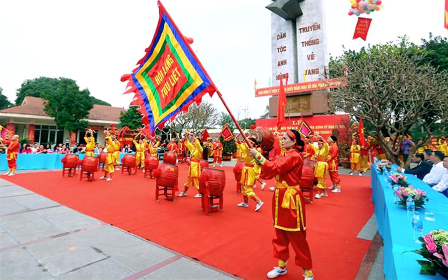 Màn trình diễn trống đặc sắc khai mạc lễ hội (Ảnh ST)