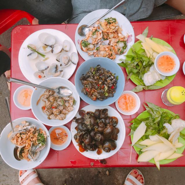 Thưởng thức hải sản để cảm nhận hương vị biển (Ảnh ST)