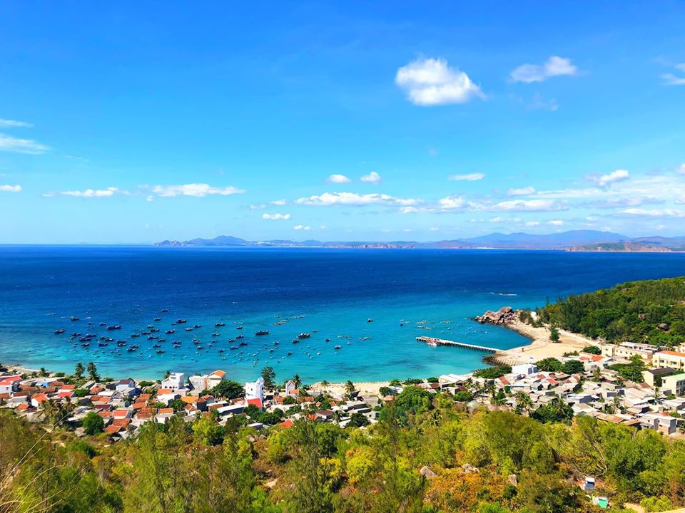 Cầu cảng trên đảo Cù Lao Xanh được chụp từ trên cao