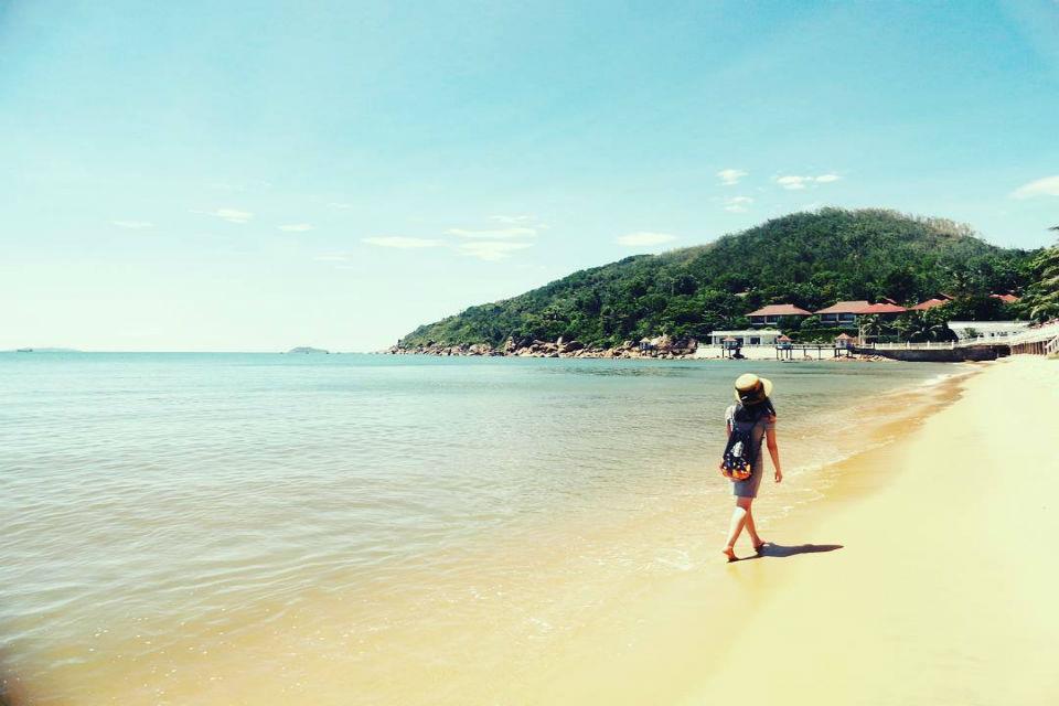 Dạo bước trên biển Quy Nhơn - Ảnh ST