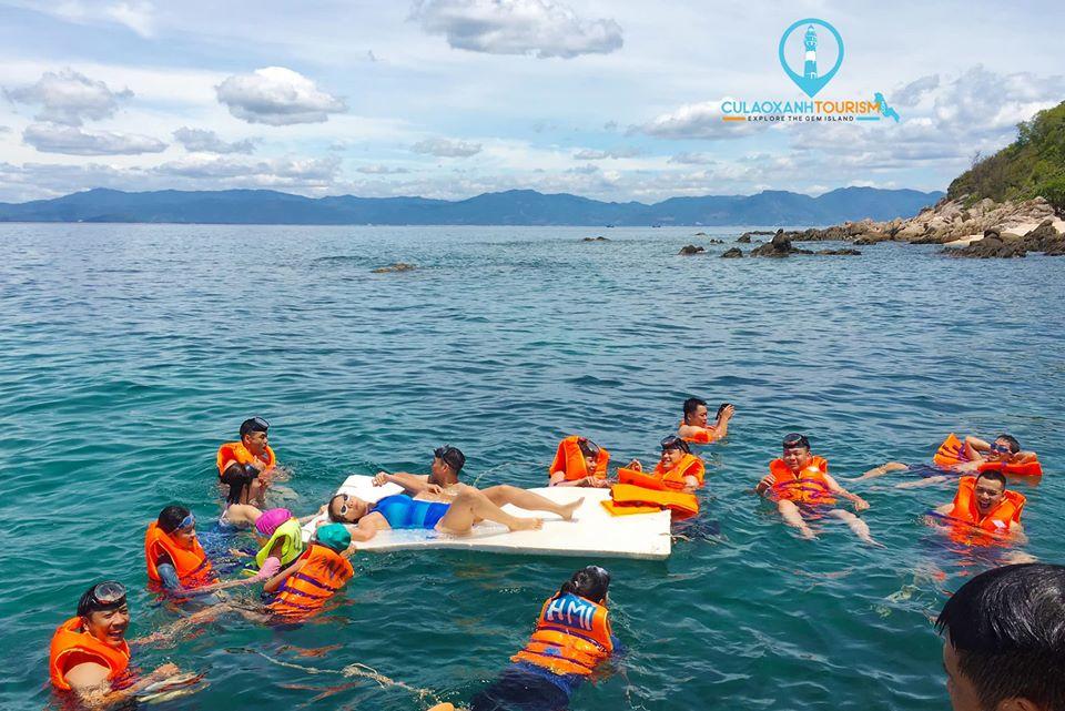 Review Tour Cù Lao Xanh 2 ngày 1 đêm - bơi lội & lặn san hô