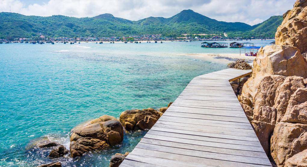 """Biển Kỳ Co với làn nước xanh trong - được xem là """"đệ nhất thiên đường"""" của Quy Nhơn"""