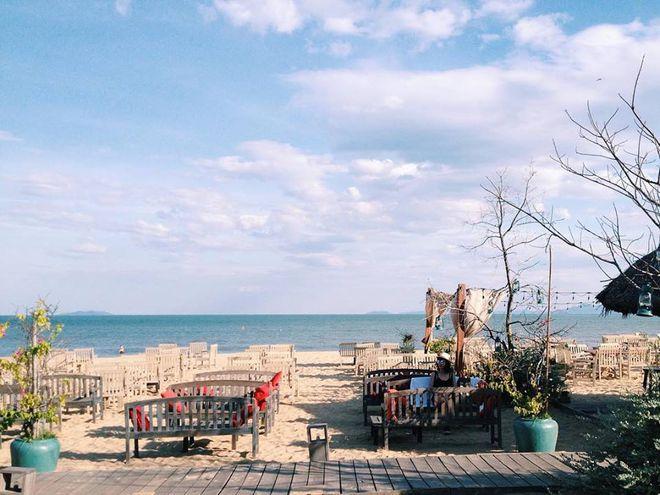 Surf-Bar là địa điểm lên hình của rất nhiều bạn trẻ khi du lịch Quy Nhơn. Ảnh: we25.vn