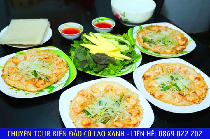 Món bánh xèo tôm nhẩy thơm ngon tại Quy Nhơn