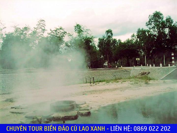Suối nước nóng Hội Vân hiền hòa, hoang sơ - Ảnh: sưu tầm